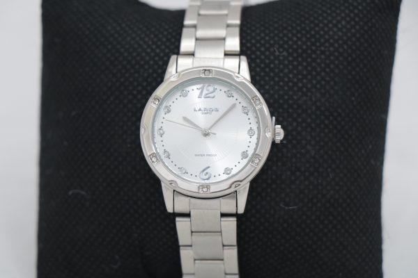 ساعت مچی عقربه ای زنانه لاروس مدل 79806