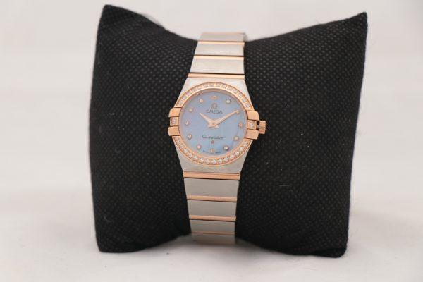 ساعت مچی عقربه ای زنانه امگا کانستلیشن مدل 888/2