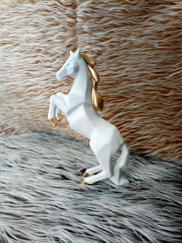 مجسمه اسب مدل 02