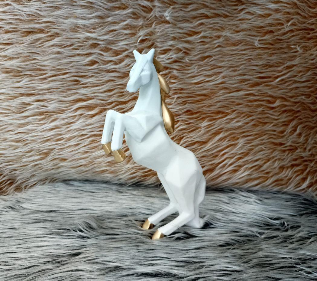 مجسمه اسب مدل ۰۲