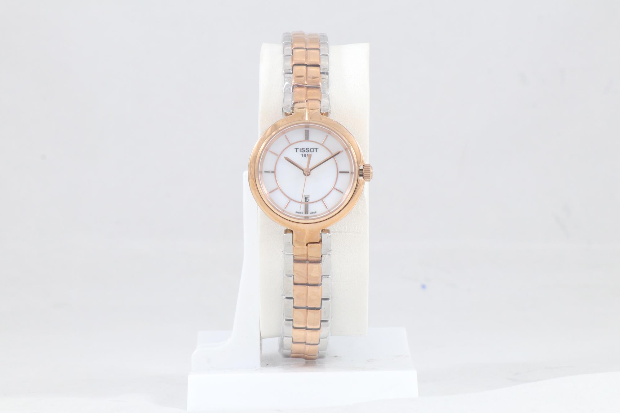 ساعت مچی عقربه ای زنانه تیسوت مدل T094210